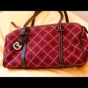 Vintage-Dooney-Bourke-Barrel-Bag